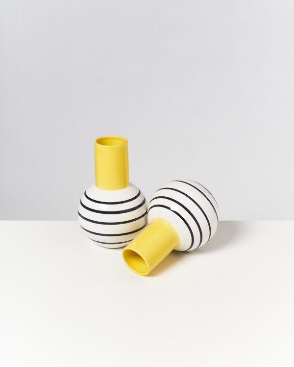 Bola M - yellow black striped