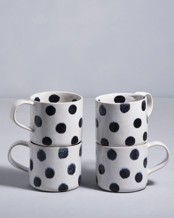 Nódoa 4er Set Tasse schwarze Punkte