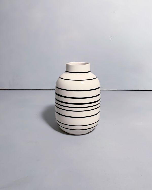 Nuno M schwarz weiß gestreift