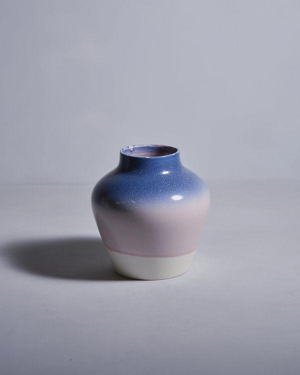 Madalin Blau gesprenkelt