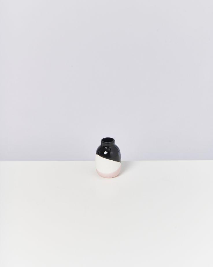 Nuno S schwarz weiß rose