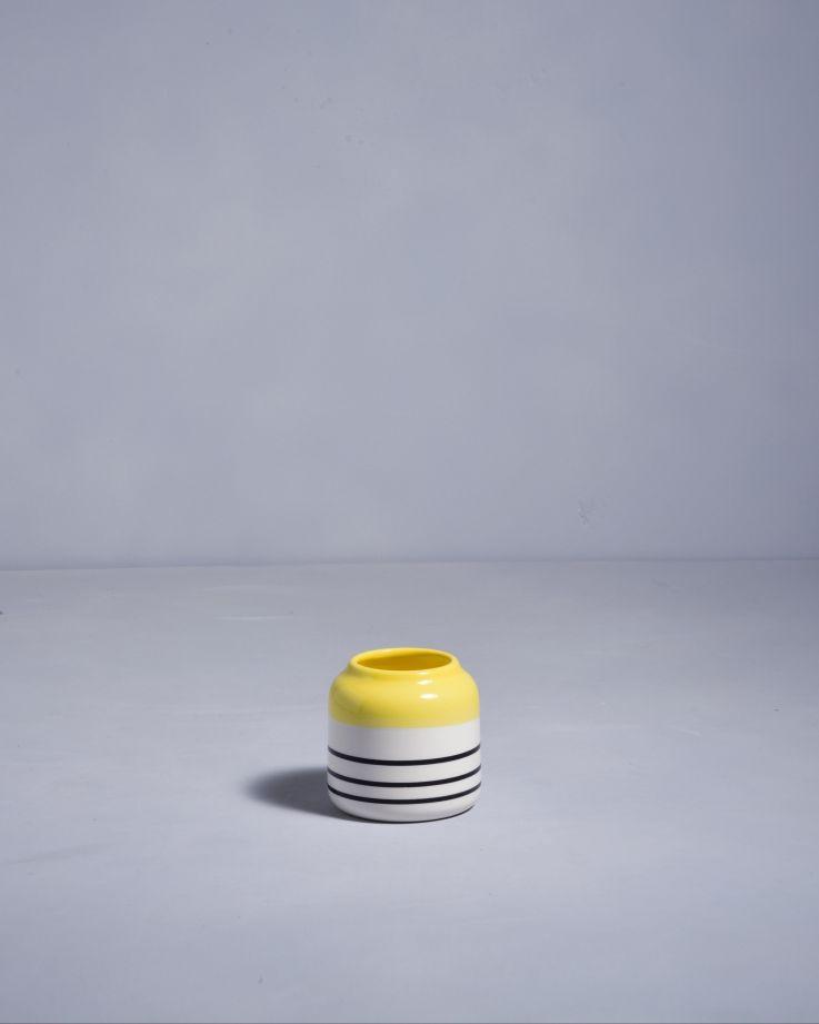 Bebé gelb schwarz gestreift