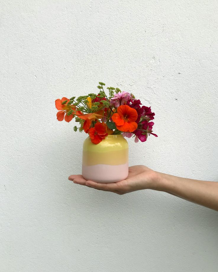 Bebé gelb rosa