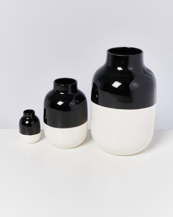NUNO S - black white 2