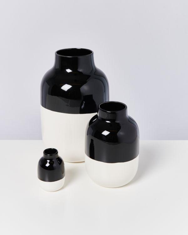 NUNO M - black white 2