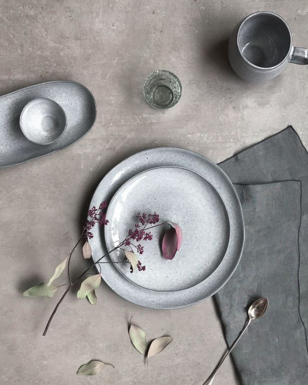 MAE - Plate large grey 2