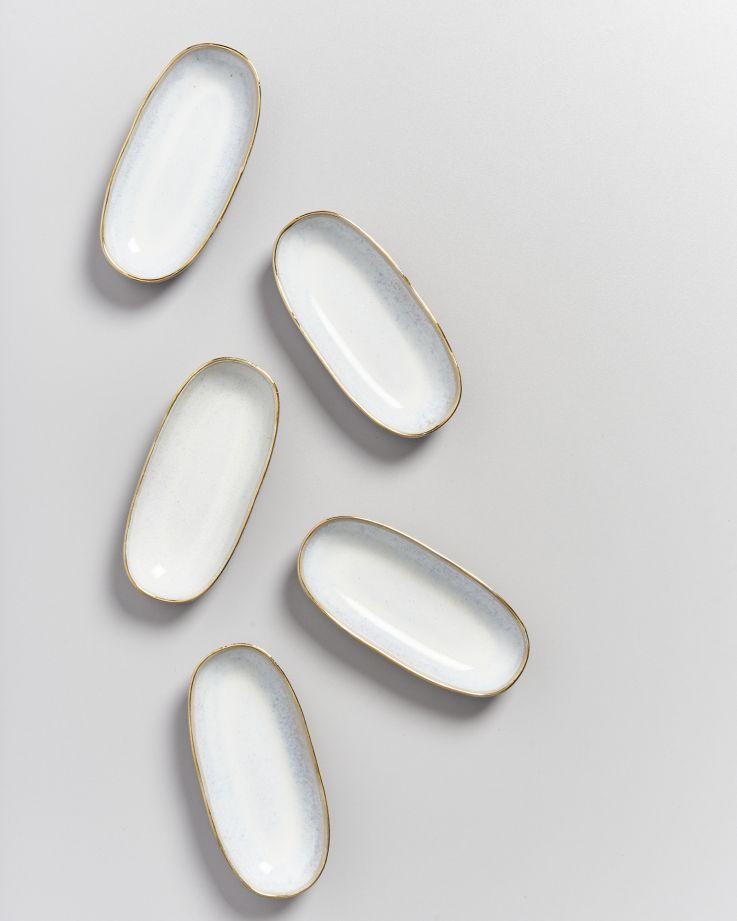 AREIA - Serving Platter S white with golden rim 2