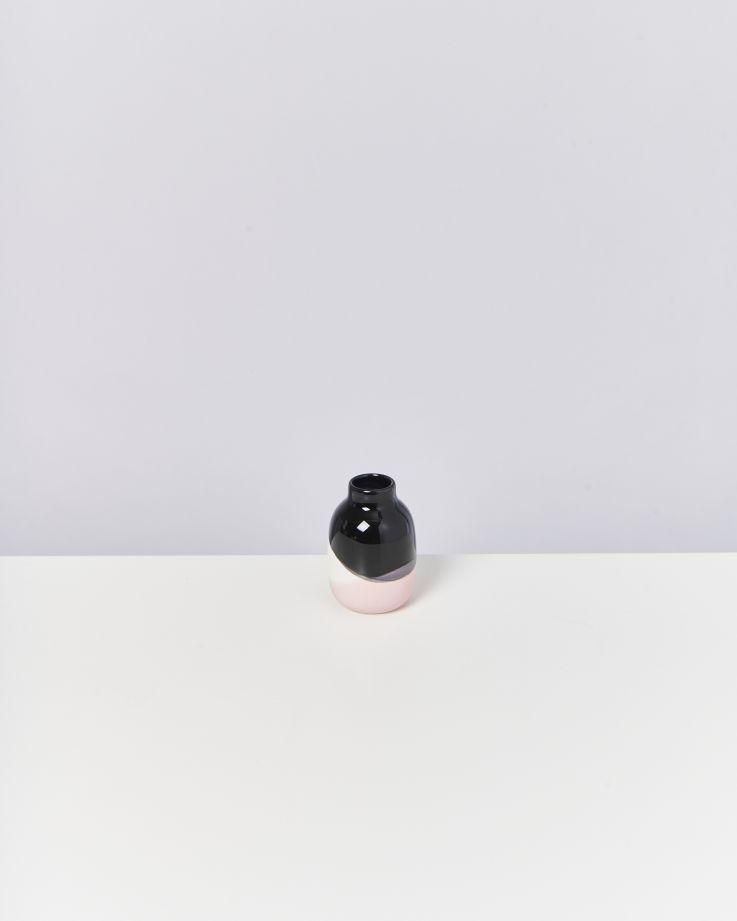Nuno S schwarz weiß rose 2