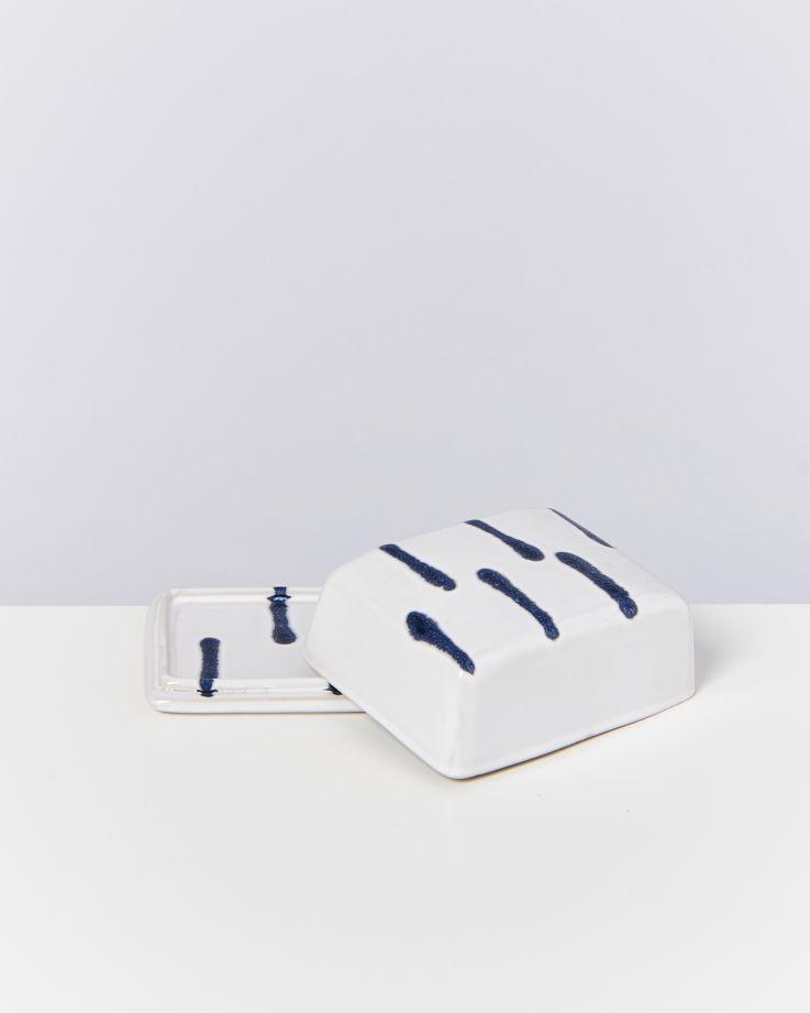 ALOJAMENTO - butterdish blue white 4